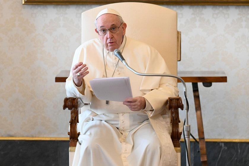 Papież Franciszek o świętach w czasie pandemii. Szopka i choinka są znakiem nadziei