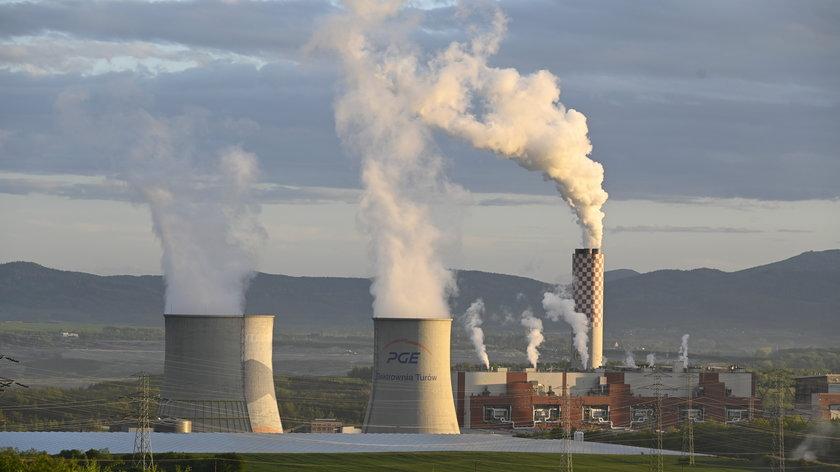 PGE przekonuje, że wyłączenie nowego bloku elektrowni Turów jest planowe.