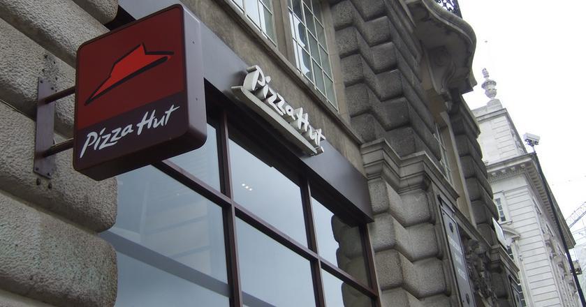 AmRest przejmuje sieć 123 restauracji Pizza Hut Delivery we Francji