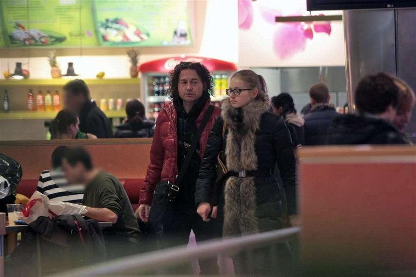 Piotr Rubik z żoną na zakupach. Co oni tam wybierali?