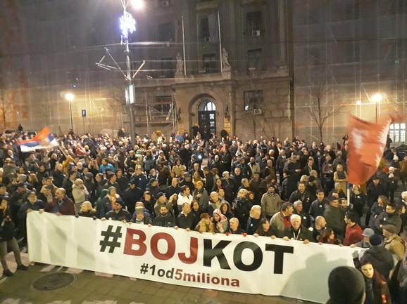 Učesnici protesta u Nemanjinoj