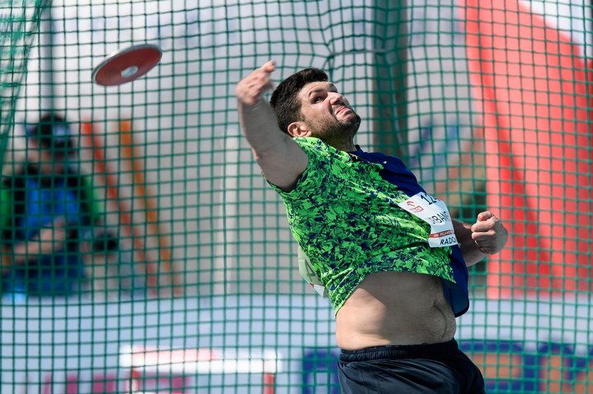 Niedawno Robert Urbanek rzucił dyskiem 65,99 m, co jest obecnie dziesiątym wynikiem na świecie. Teraz szlifuje formę w Tallinnie