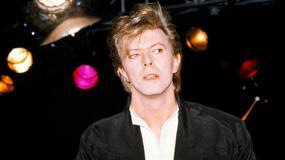 Serialowy Dexter śpiewa Davida Bowiego