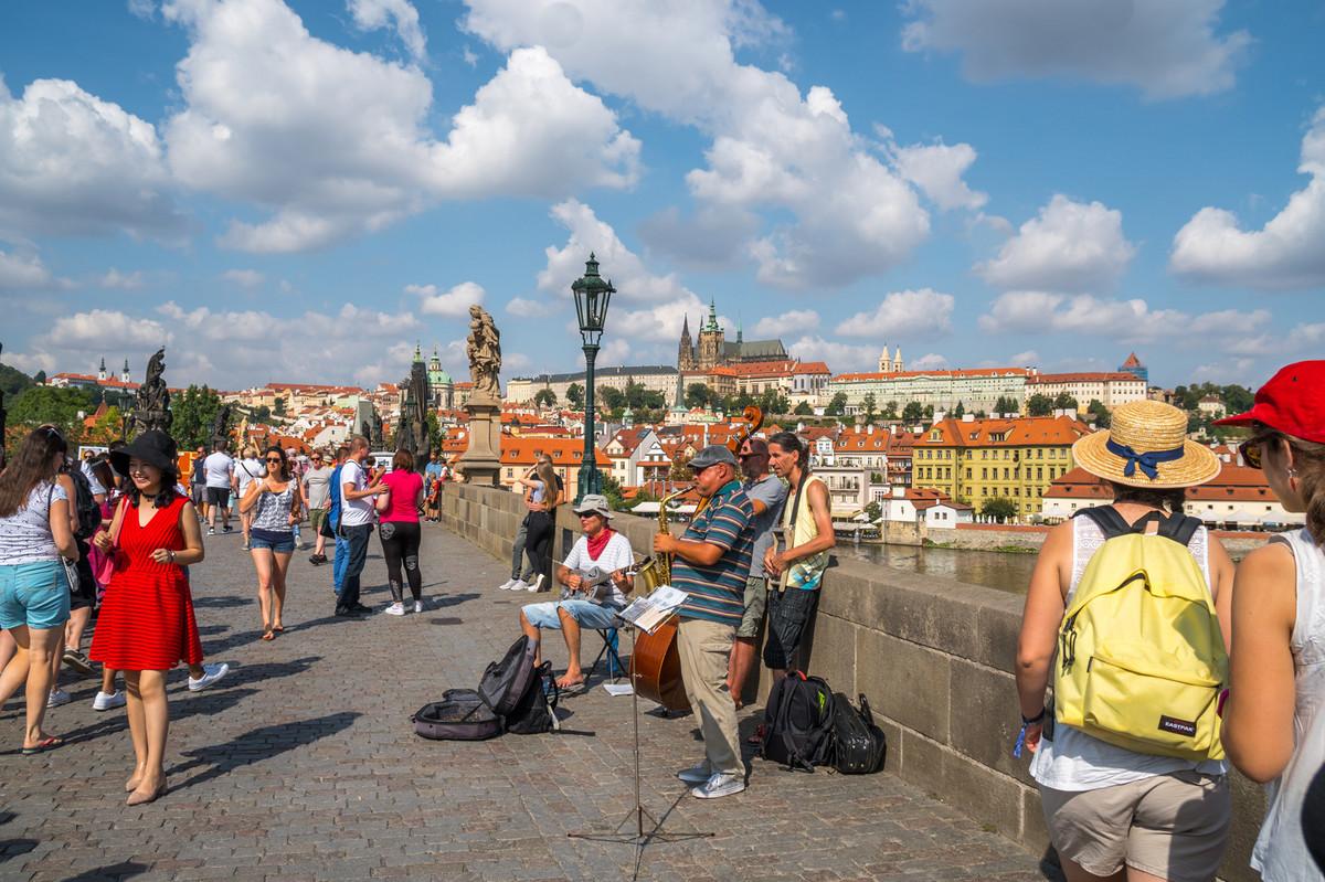 CETIRI DANA U PRAGU ZA 65 EVRA Evropski gradovi hit medju nasim vikend turistima