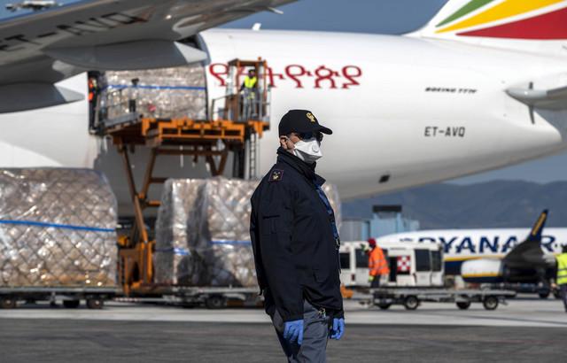 Paketi pomoći iz Kine za Italiju u Pizi