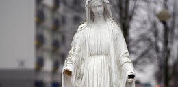 Figurze Matki Boskiej odrąbano dłonie. Proboszcz z Częstochowy nie chce zgłaszać sprawy na policję