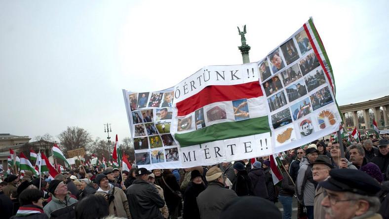 Węgrzy manifestowali poparcie dla Wiktora Orbana