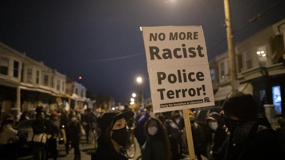 USA. Filadelfia: zamieszki po zabójstwie 27-letniego Afroamerykanina