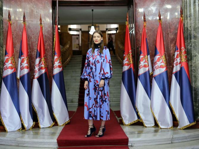 EKSKLUZIVNO: Pitali smo Roksandu Ilinčić kako se oblače devojke u Srbiji, a njen odgovor će vas iznenaditi