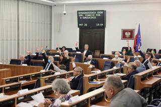 Senat odrzucił informację o działalności Rady Mediów Narodowych i sprawozdanie KRRiT