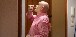 """Pijaństwo w """"Na Wspólnej"""". Roman wyprowadzi z równowagi Włodka"""