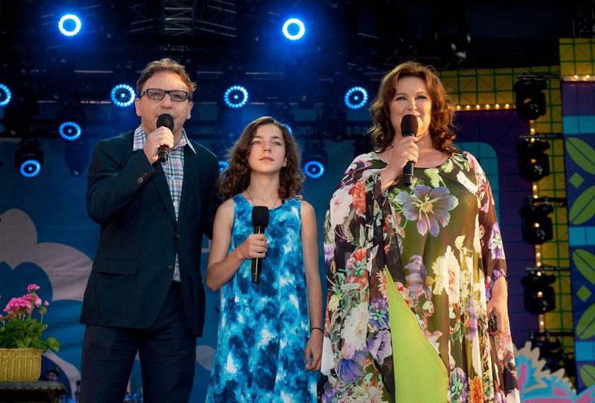 Zbigniew Zamachowski z córką i Anną Dymną