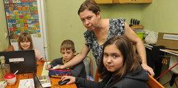"""Od tych lekcji można oszaleć. Rodzice i dzieci w całej Polsce mają dość. """"To jest jakaś porażka"""""""