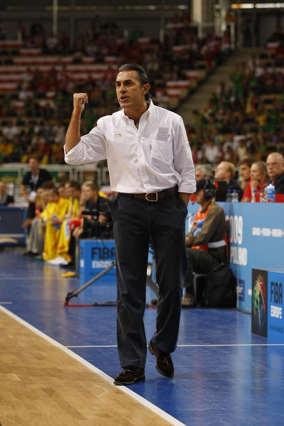 Strateg košarkaša Španije, Serđo Skariolo