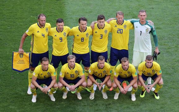Fudbalska reprezentacija Švedske pred početak meča sa