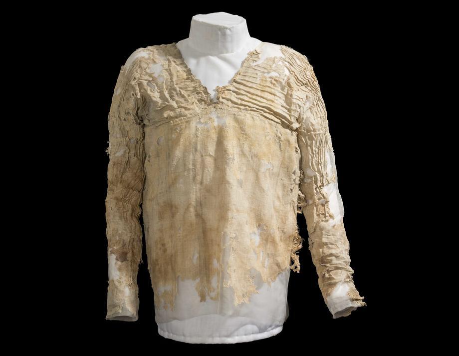 El vestido de Tarkhan fue encontrado en una tumba en Tarkhan, al sur de El Cairo