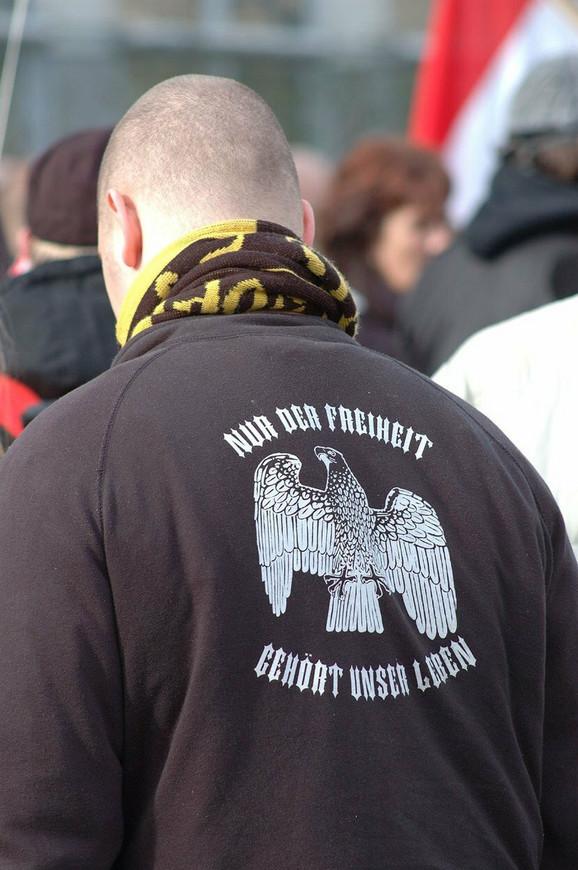Dok broj KKK grupa opada, neonacističke podružnice cvetaju