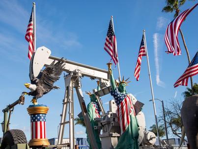 Amerykańscy producenci ropy ograniczyli liczbę odwiertów, ale ich liczba nadal jest na wysokim poziomie