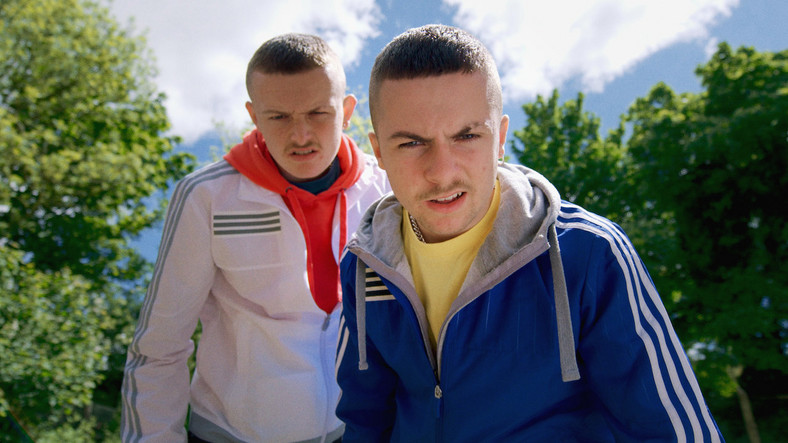 "Alex Murphy i Chris Walley w filmie ""The Young Offenders"""