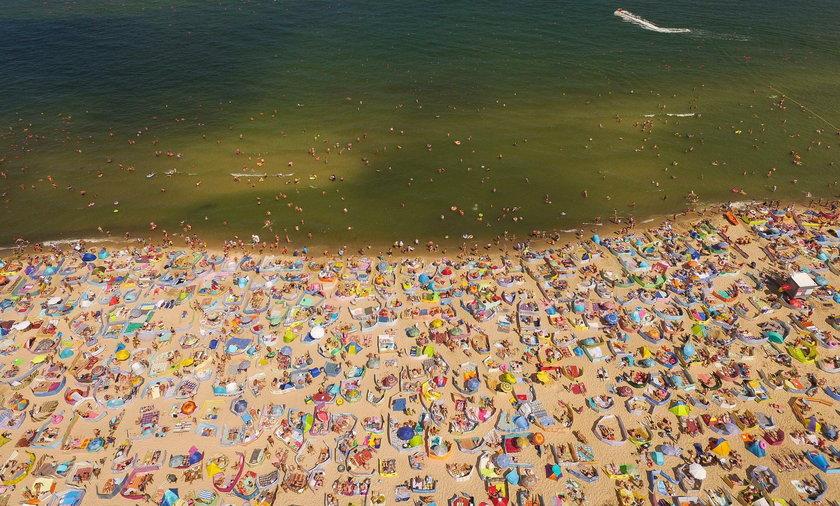 Oblężenie plaży w Władysławowie.