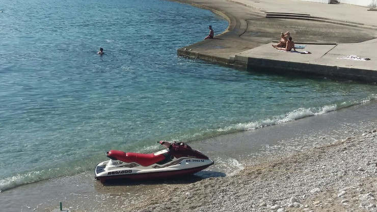 Herceg Novi, plaža, oktobar