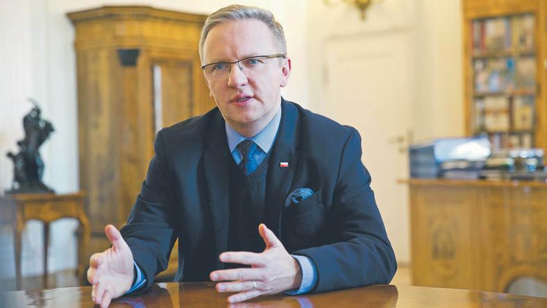 """Od polityków partii rządzącej usłyszeliśmy, że szanse na przejście Szczerskiego przez sito w PE oceniają """"pół na pół"""""""
