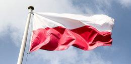 Chcą zmienić polski hymn! Projekt ministerstwa jest już gotowy. Ale to nie wszystko. Co z flagami i godłami?