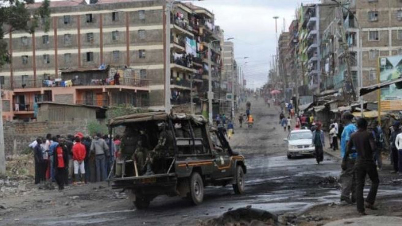 File image of police on patrol in Nairobi's Mathare area