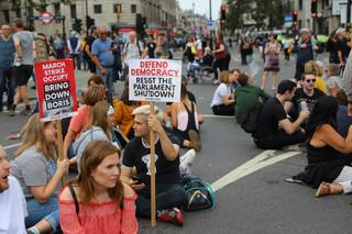 Protesty w Wielkiej Brytanii po decyzji o zawieszeniu parlamentu. 'Zatrzymać przewrót'