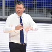 """""""IZVINJAVAM SE PARTIZANU"""" Trener Budućnosti imao nekulturan gest posle meča, pa pokušao da se iskupi"""