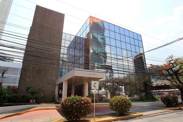 Mossack Fonseca należy do największych na świecie placówek oferujących klientom zakładanie i prowadzenie firm offshore w tzw. rajach podatkowych.
