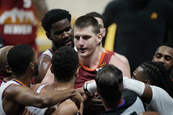 NEVIĐEN SKANDAL! Nikola Jokić izbačen, kraj NBA sezone za MVP-a lige, ovo niko živ nije mogao ni da sanja! /VIDEO/