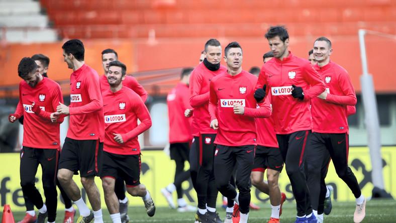 Piłkarze reprezentacji Polski podczas treningu przed inauguracyjnym meczem eliminacji mistrzostw Europy 2020 z Austrią
