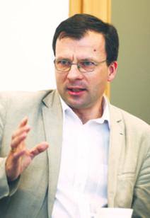 "Prof. Marcin Zieleniecki, ekspert pracy NSZZ ""Solidarność"", autor skargi do MOP"