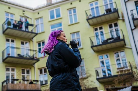 Vlast apeluje na građane da ostanu u svojim domovima