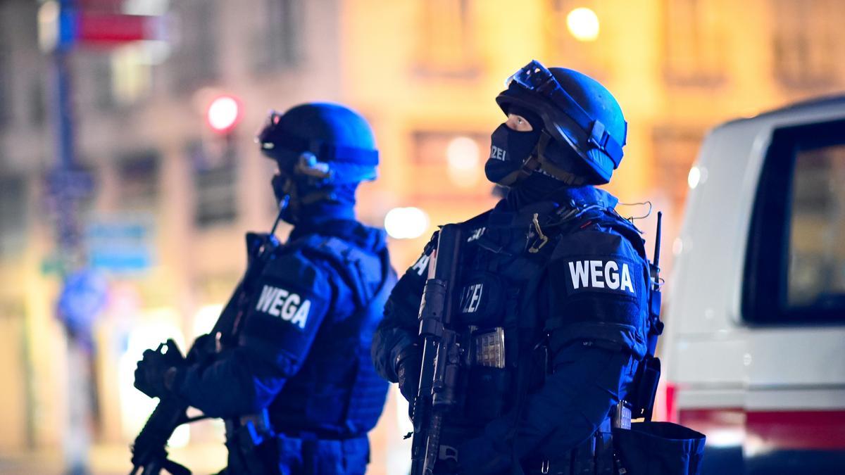Bécsi terrortámadás: egyetemista lány az egyik áldozat, egy hallgató súlyosan megsérült