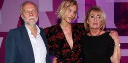 Anja Rubik z rodzicami. Musieli pękać z dumy