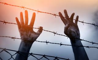 Nielegalni imigranci płyną wpław do hiszpańskich wybrzeży