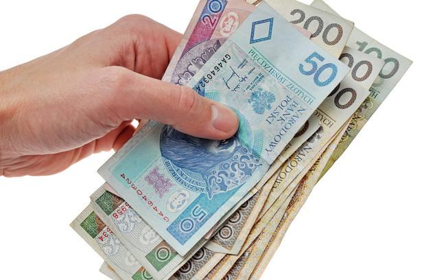 Resort wskazuje, że wpływy z tytułu wszystkich opłat za korzystanie ze środowiska w roku 2012 wyniosły 1790,7 mln zł