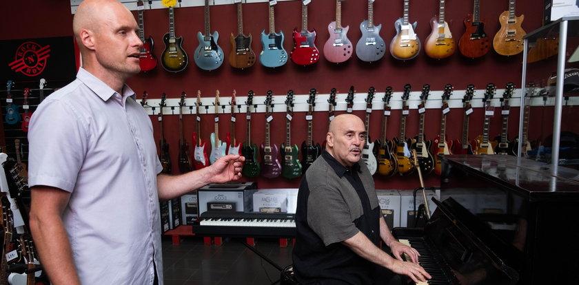 Marian Lichtman chce zrobić z syna Krzysztofa Krawczyka piosenkarza. Trubadur uczy śpiewu juniora