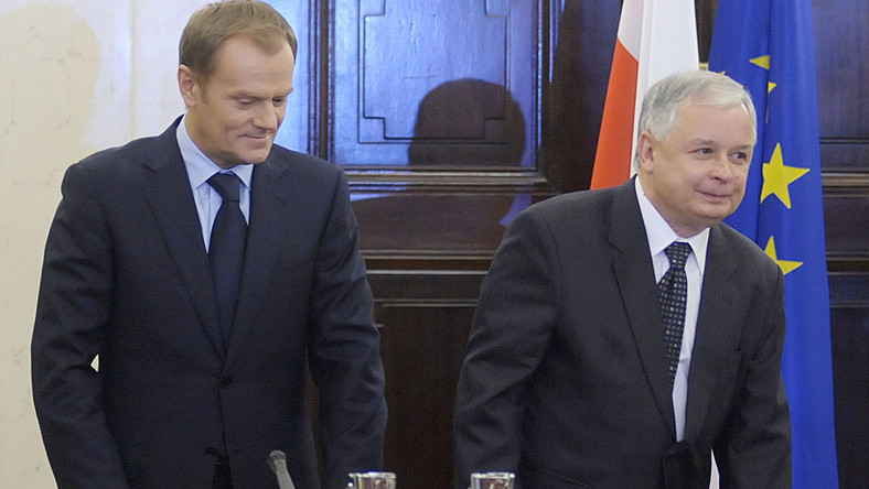 Tusk i Kaczyński ustalą, jak walczyć o Buzka