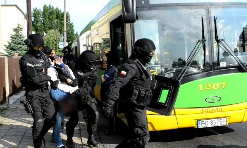 nożownik poznań atak autobus
