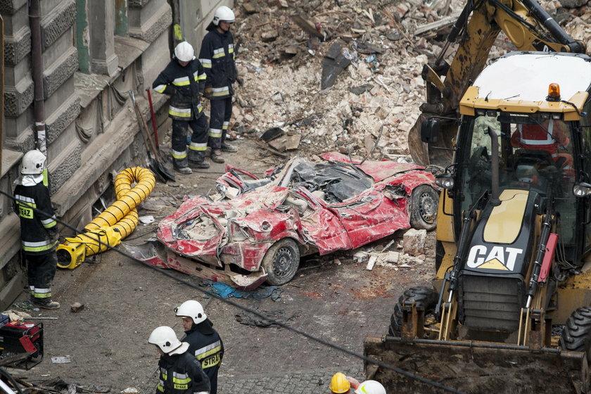 Pięćosób zostało rannych, 3 sąposzukiwane pod gruzami