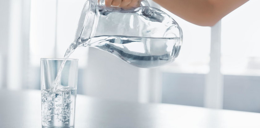Kobieta piła przez 3 tygodnie tylko wodę i sok. Skutki są opłakane