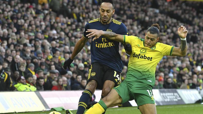Pierre-Emerick Aubameyang (piłkarz Arsenalu z lewej)