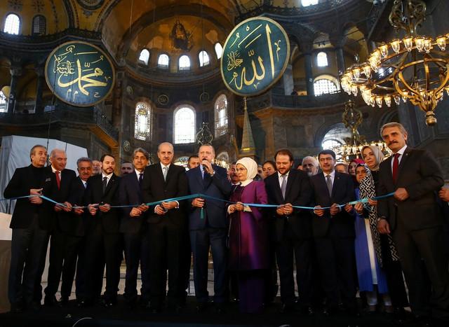 Erdogan na otvaranju izložbe u Aji Sofiji u martu 2018.