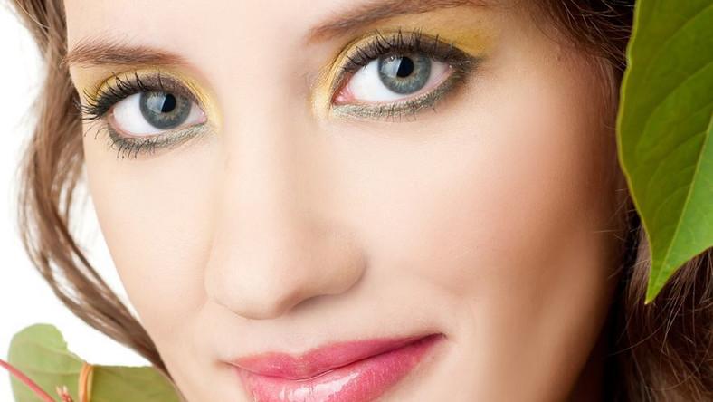 Cera wrażliwa wymaga nie tylko specjalnych kosmetyków pielęgnacyjnych, ale także upiększających