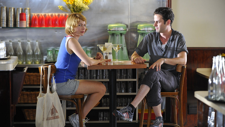 "Michelle Williams i Luke Kirby w filmie ""Take This Waltz"""