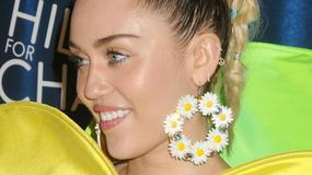 Miley Cyrus w stylizacji kwiatka - hit czy kit?
