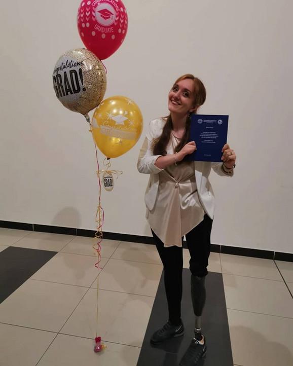 Ponosna: Bojana Ćorilić sa diplomom